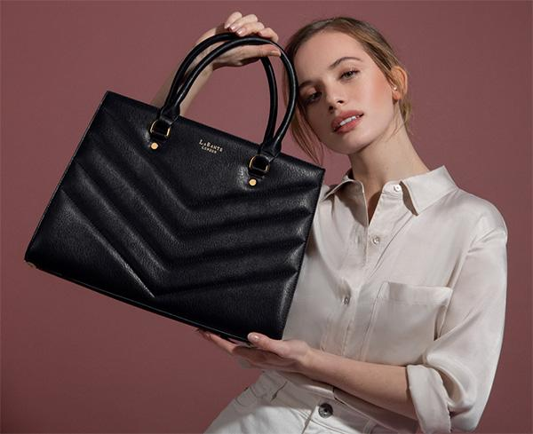The growing trend of exquisite and stylish Personalised Leather Handbags